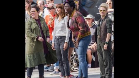 Melissa McCarthy, Kristin Wiig, Leslie Jones and Kate McKinnon crack up on set of Ghostbusters 2016